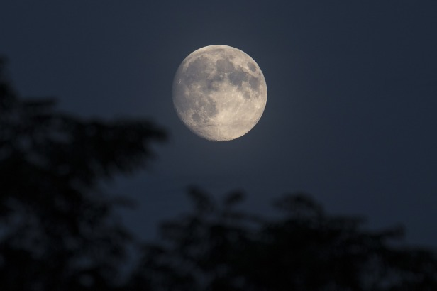Scientists Find Connection Between Full Moon and Large Earthquakes